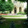 サント・クロティルド教会とルソー公園